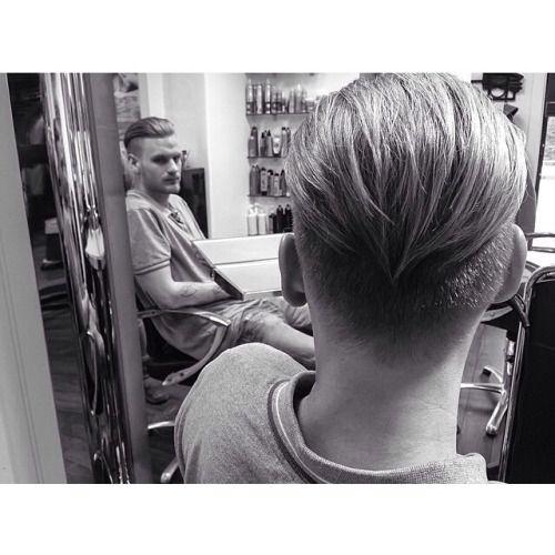 Vi elsker denne herreklippen av @christelyo! ✂️ #herrehår #hårklipp #frisør #tendenzno #welovehair