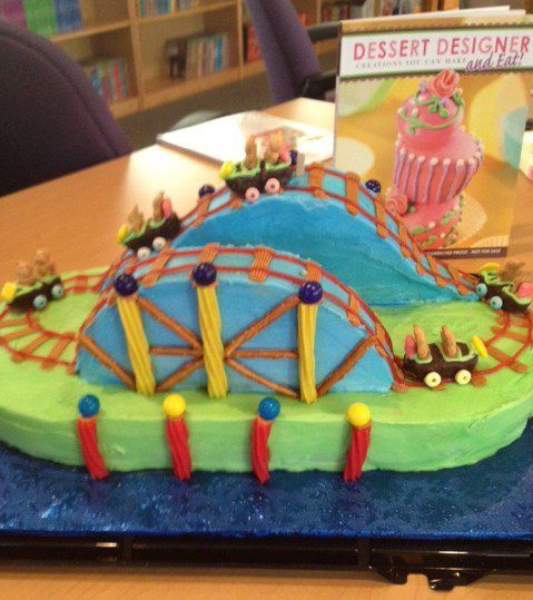 Teddy Grahams Ride This Candied Roller Coaster Cake #food #art