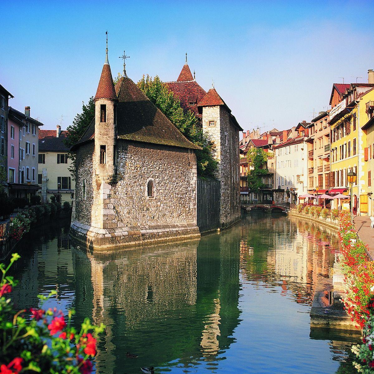 Französische Alpen Die 10 Schönsten Orte Zum Wandern Und Mehr Skyscanner Deutschland Französische Alpen Schöne Orte Alpen
