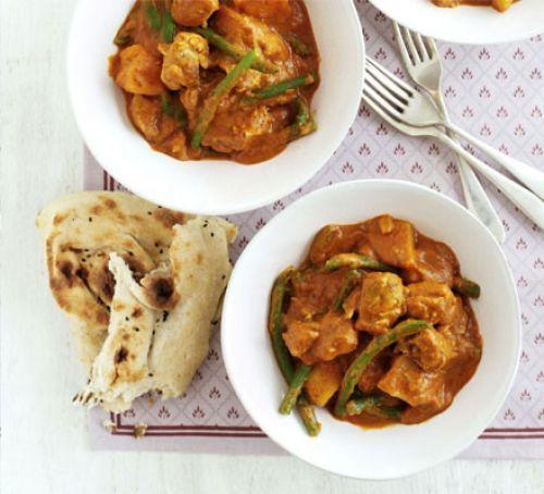 "veganize using Soja Schnetzel by seasoning it with ""Chicken"" spices, potato & green bean curry"