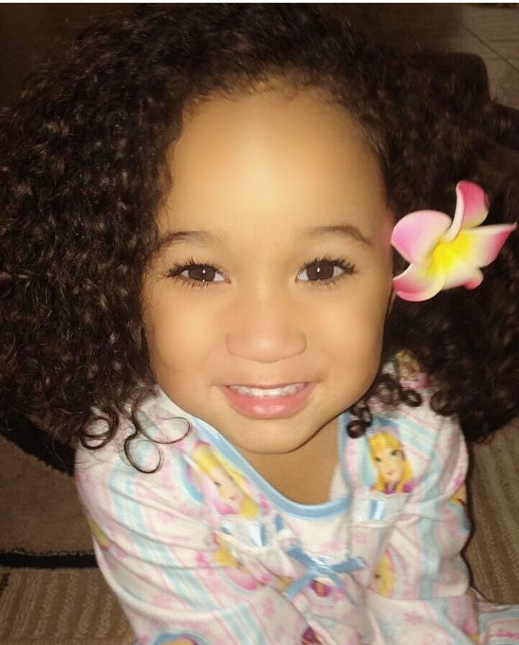 Christyana • 2 • samoan african american german ♥ follow instagram com