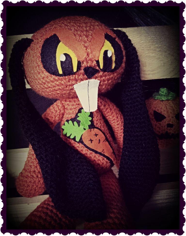 Amigurumi - JASON LOVE ZOMBIE CARROTS  http://psychodollshop.blogspot.com/