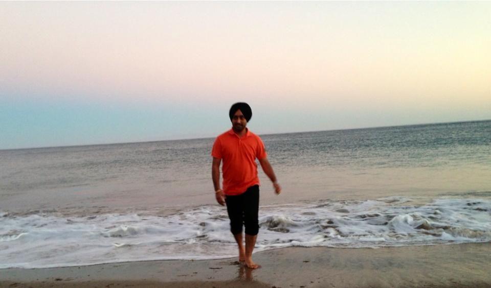 Satinder Sartaaj visited Santa Barbara Beach,California.Next shows: FRESNO-6 Sep,  MODESTO-7Sep SACRAMENTO-8 Sep.