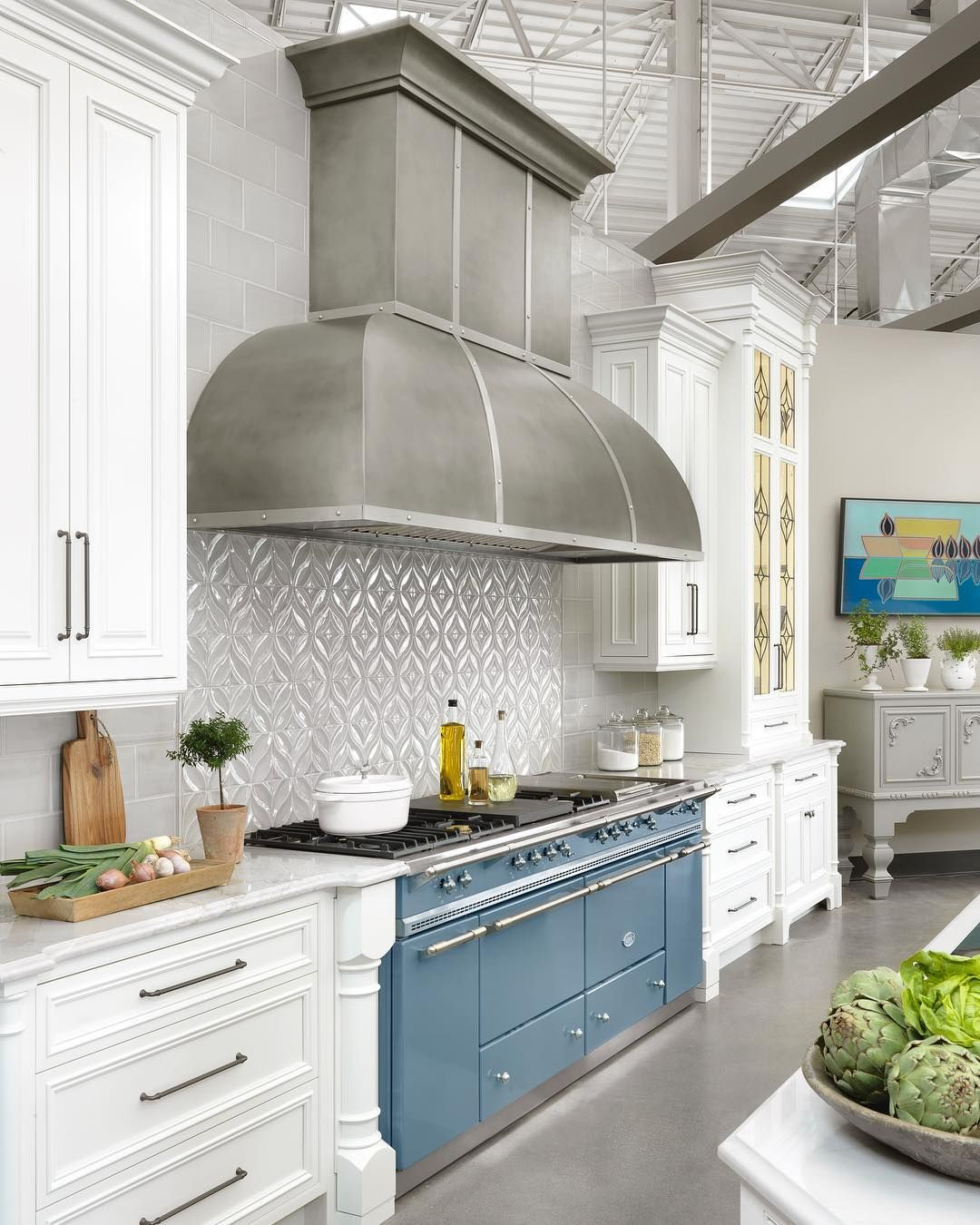 French Ranges La Cornue Vs Lacanche What To Know Before Investing In A French Oven Kitchen Design Best Kitchen Designs Custom Kitchen Cabinets