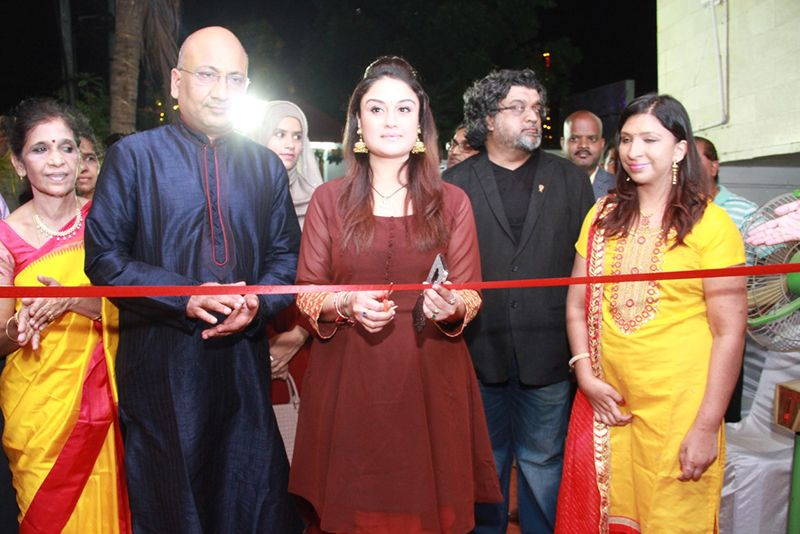 Actress Sonia Agarwal Inaugurates Kokkarakko Restaurant