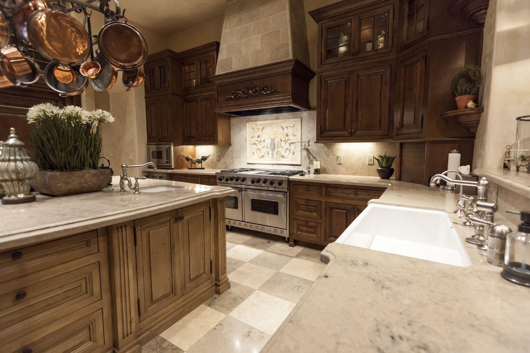Küchenideen ahornschränke faszinierend dunklem holz küche  für ausreichend große zimmer