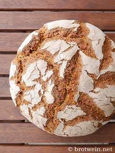 Brot: Roggenbrot - Sauerteig - 100% Roggen - Brotwein