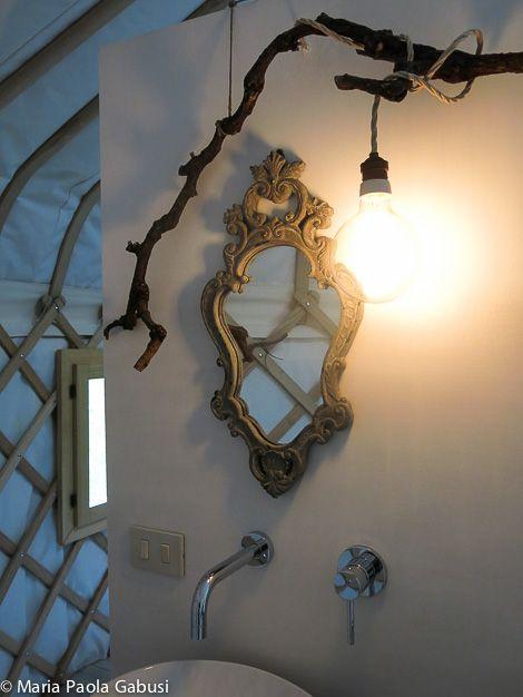 Casa del Tempo Ritrovato b&b - grape tree and edison lamp
