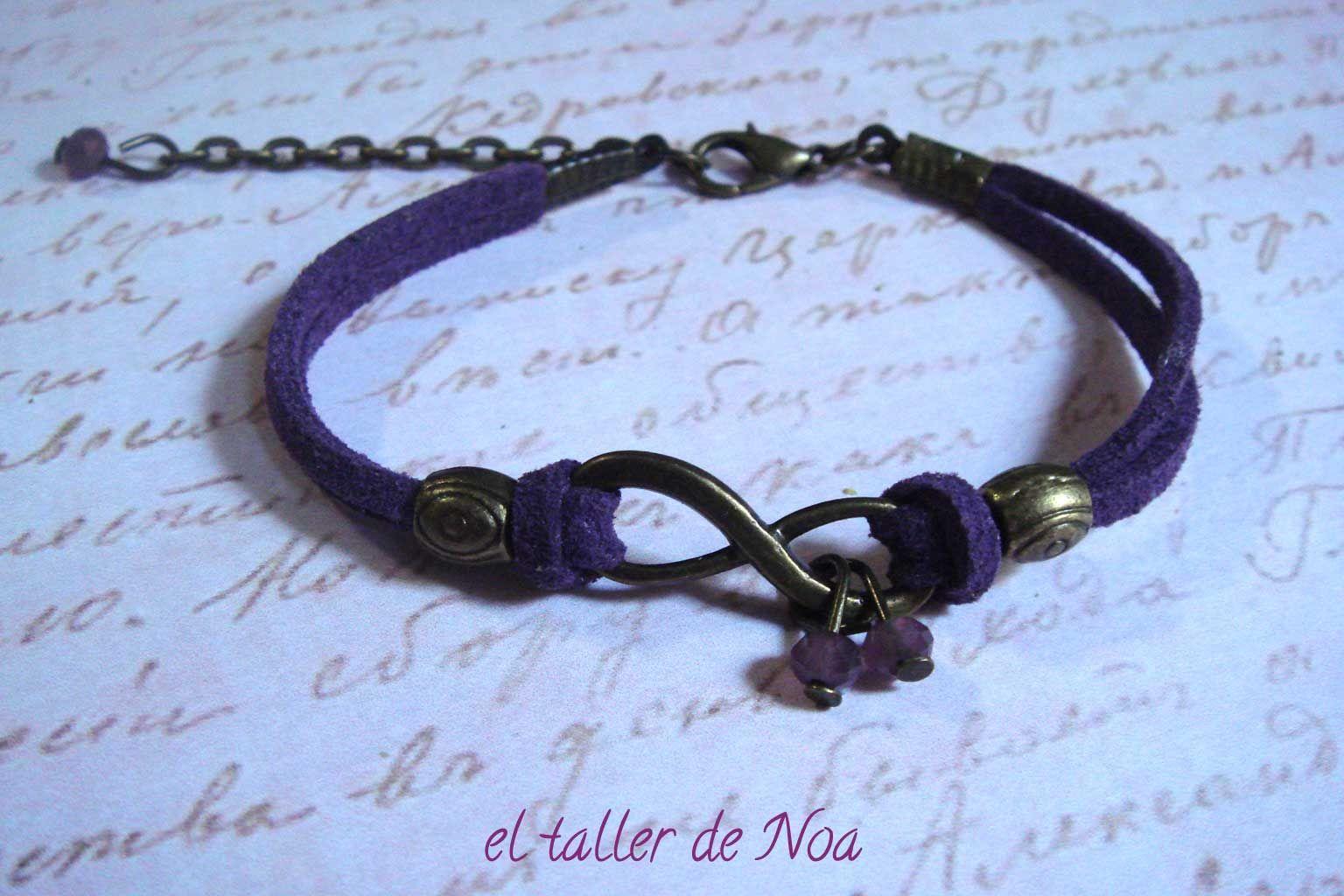 #Pulsera ref. ibi15011 de la colección Infinit Bracelet. #Infinito para estas pulseras en clave de #lila. Más en www.eltallerdenoa.com #bisutería #jewelry #infinity #antelina #suede #bracelet #joyería