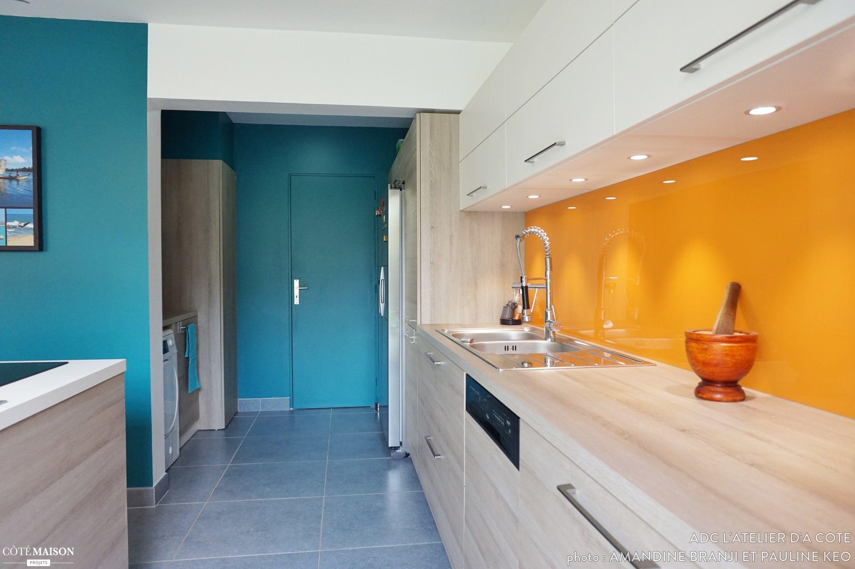 une cuisine modernis e un jardin m tamorphos adc l 39 atelier d 39 c t c t maison idees. Black Bedroom Furniture Sets. Home Design Ideas