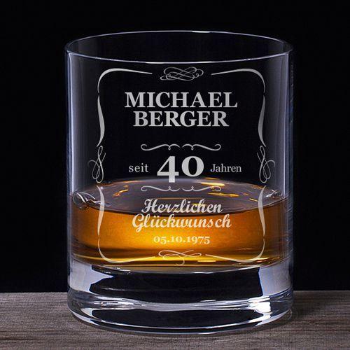 Das Whiskyglas zum 40. Geburtstag in der klassischen Variante ist ein tolles Geschenk mit individueller Note: Lasse das Glas persönlich gravieren!