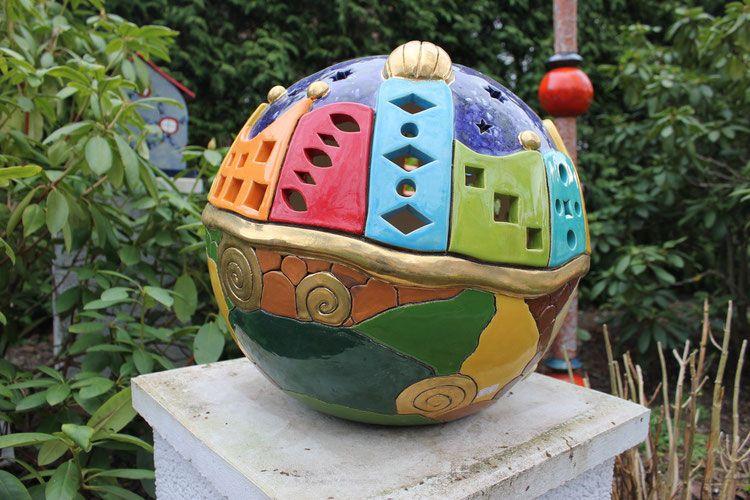 lichterkugel angelehnt nach hundertwasser 40 cm pottery pottery art and clay sculptures. Black Bedroom Furniture Sets. Home Design Ideas
