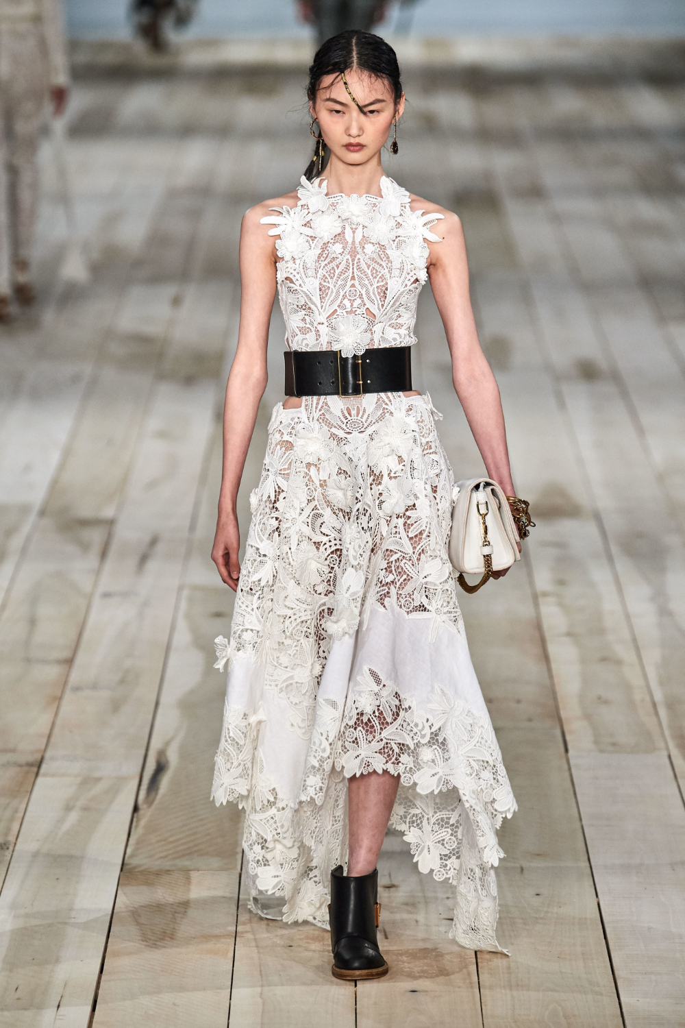 Alexander McQueen Spring 2020 Ready to Wear Fashion Show in