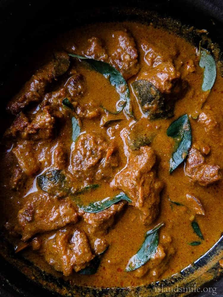Slow Cooked Beef Curry Like My Grandmother Makes Island Smile Recipe Beef Curry Slow Cooked Beef Curry