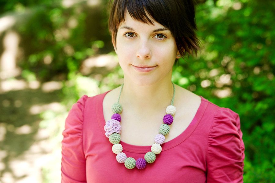 Flower necklace pastel - Light pastels necklace.