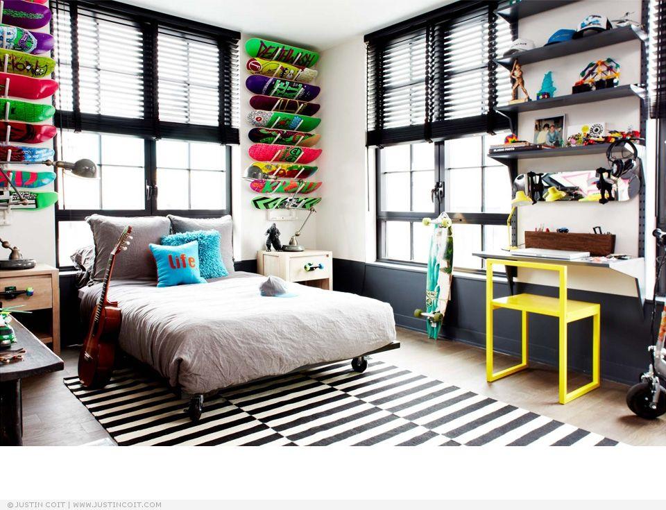 Best Interiors Bedroom Skateboards Display Gray Rug 400 x 300