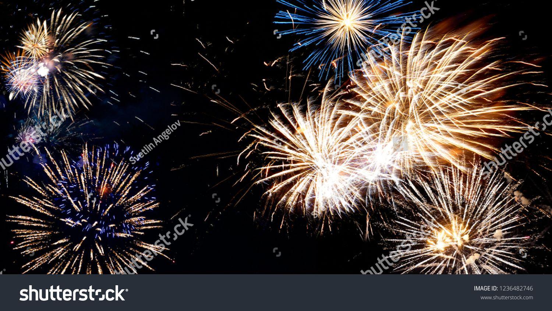 Beautiful New Years Eve Festive Midnight Fireworks 2019 Backgound Fireworks Photography Fireworks Photography Backgrounds New Years Eve