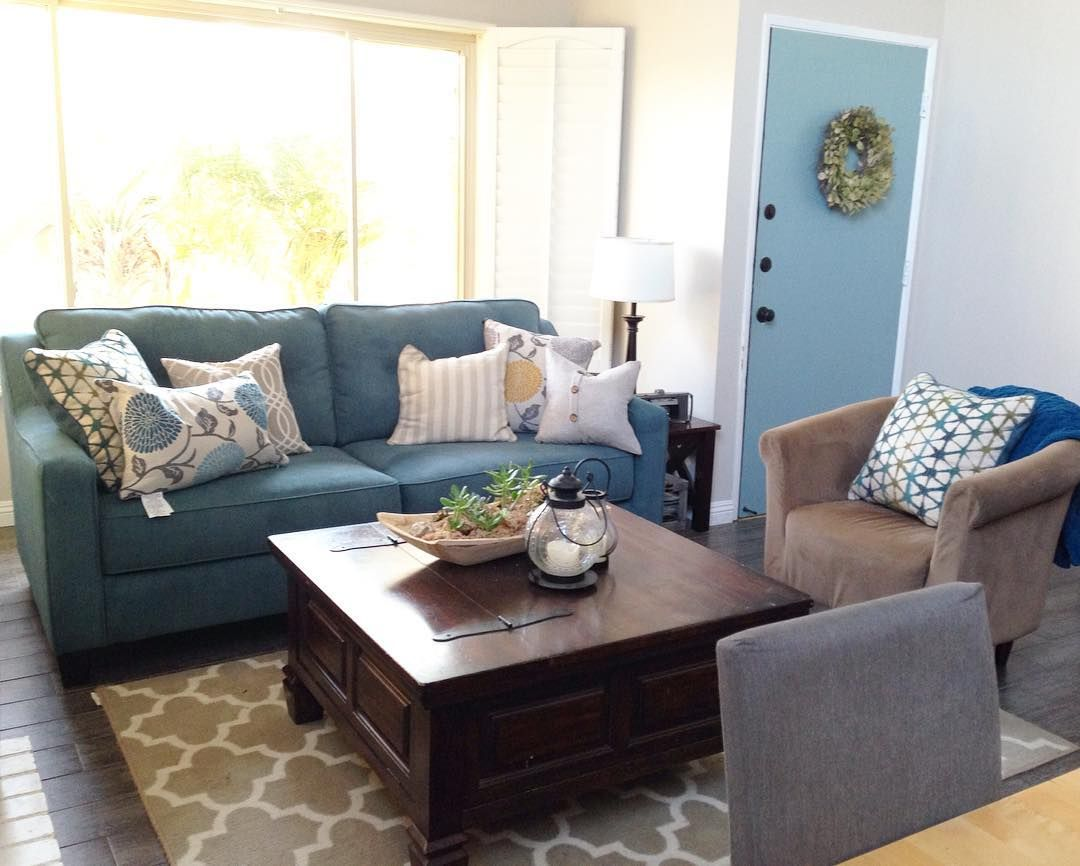 Blue Beautiful Rebeca Mauga Knows How To Rock It With Our Shayla Loveseat Living Room Inspo Love Seat Living Room
