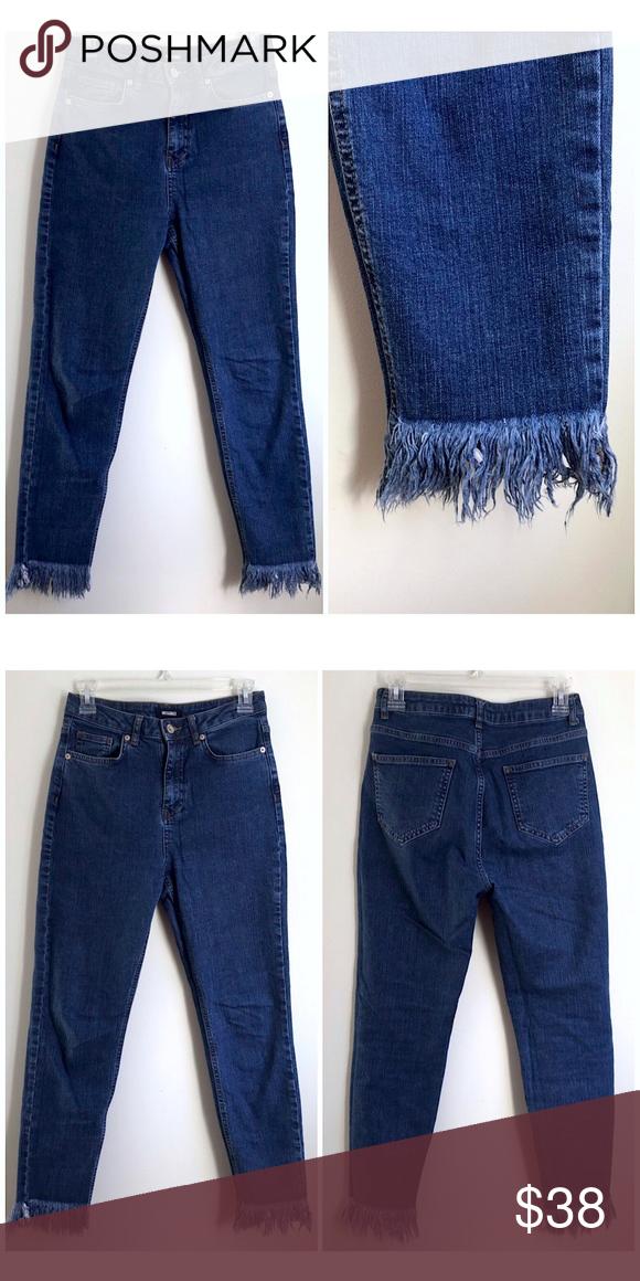 b31121b36 Missguided Medium Wash Raw Frayed Fringe Hem Jeans Missguided Medium Blue  Wash Raw Frayed Fringe Hem