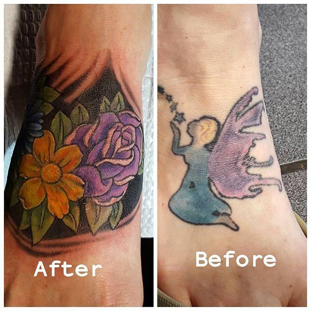 Forgot the part Johnny covered up on that previous post. Here's the damage! 😉💪✌ @yiannidrakakidis #tattoo #tattoos #tat #ink #inked #tatted #instatattoo #bodyart #art #design #instaart #tattooed #tattoist #coverup#instagood #sleevetattoo #handtattoo #chesttattoo #photooftheday #tatts #tats #amazingink #tattedup #inkedup #flowers #rose