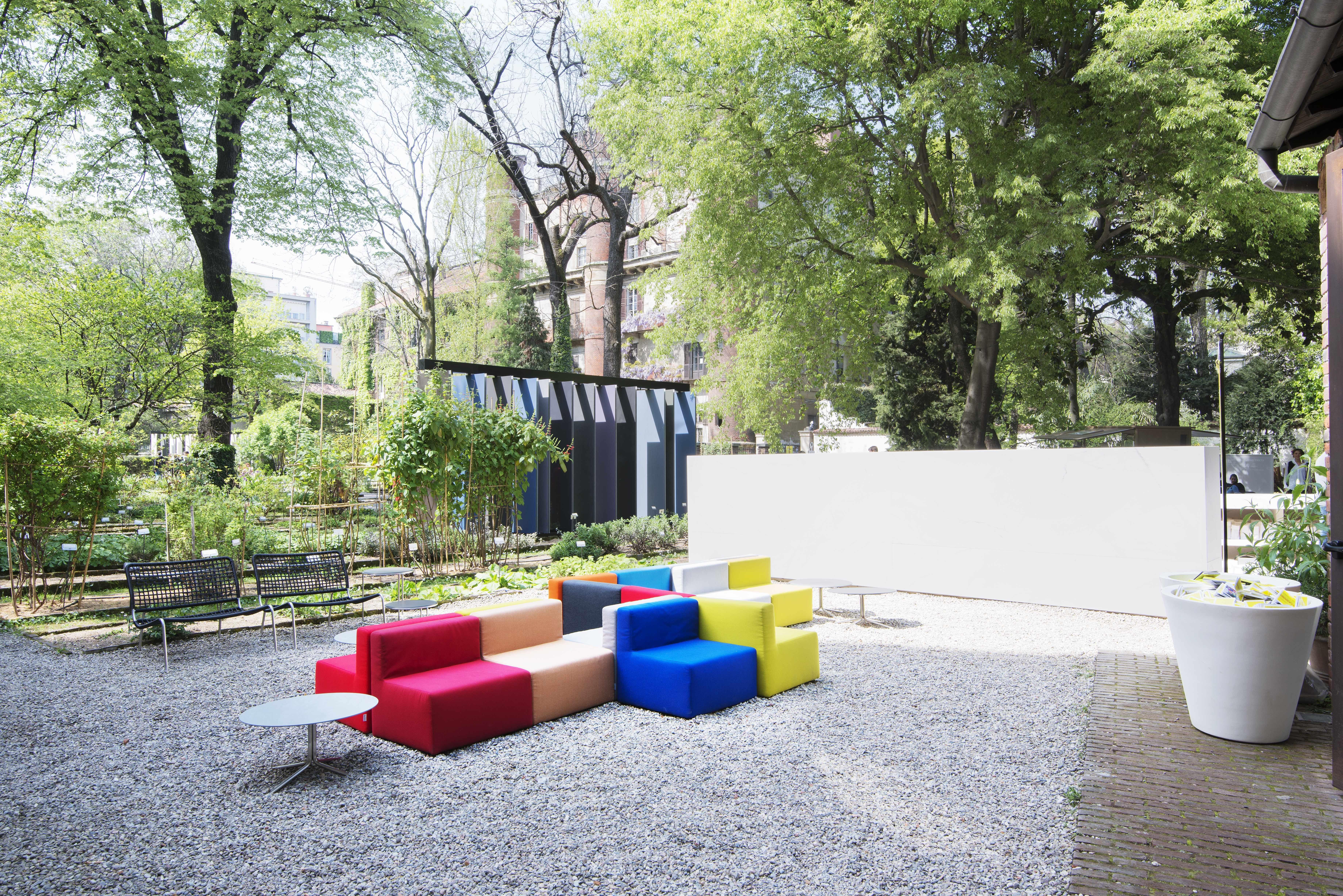 cabrio by piero lissoni for living divani graye outdoor pinterest. Black Bedroom Furniture Sets. Home Design Ideas