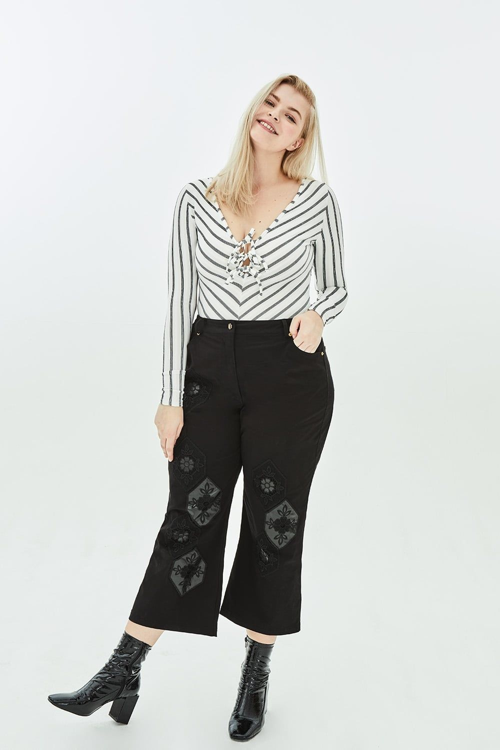 506d08a31ef FREESIA Wide Leg Trousers in Black with Honeycomb