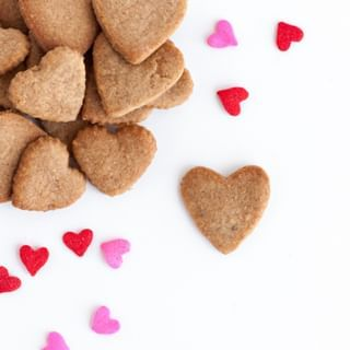 Valentine's Day is great, but have you ever tried going to the store on Feb 15?! Alllll the candy is on sale!! ❤️⠀⠀⠀⠀⠀⠀⠀⠀⠀ .⠀⠀⠀⠀⠀⠀⠀⠀⠀ .⠀⠀⠀⠀⠀⠀⠀⠀⠀ .⠀⠀⠀⠀⠀⠀⠀⠀⠀ .⠀⠀⠀⠀⠀⠀⠀⠀⠀ .⠀⠀⠀⠀⠀⠀⠀⠀⠀ #cookie #cookiedecorating #cookies #bake #homebaking #lovebaking #foodblogger #delish #instafood #dessert #foodlife #desserttable #sweettooth #baked #nom #grahamcracker #graham #homemade #homebaked #homebaker #vday #heart #ihavethisthingwithhearts