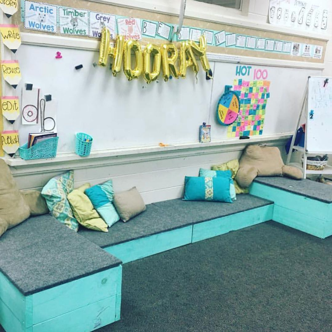 My brain keeps stirring thinking about next year and the changes/improvements I want to make 😍 Here are a few of my favorite flexible seating classrooms I've seen recently 💕