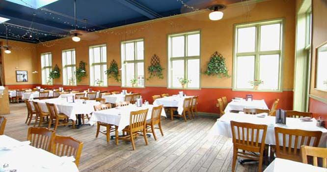Cisero S Ristorante Is An Affordable Family Restaurant Serving Dinner Daily