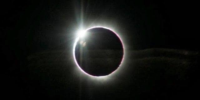 """Gerhana matahari """"hibrid"""""""