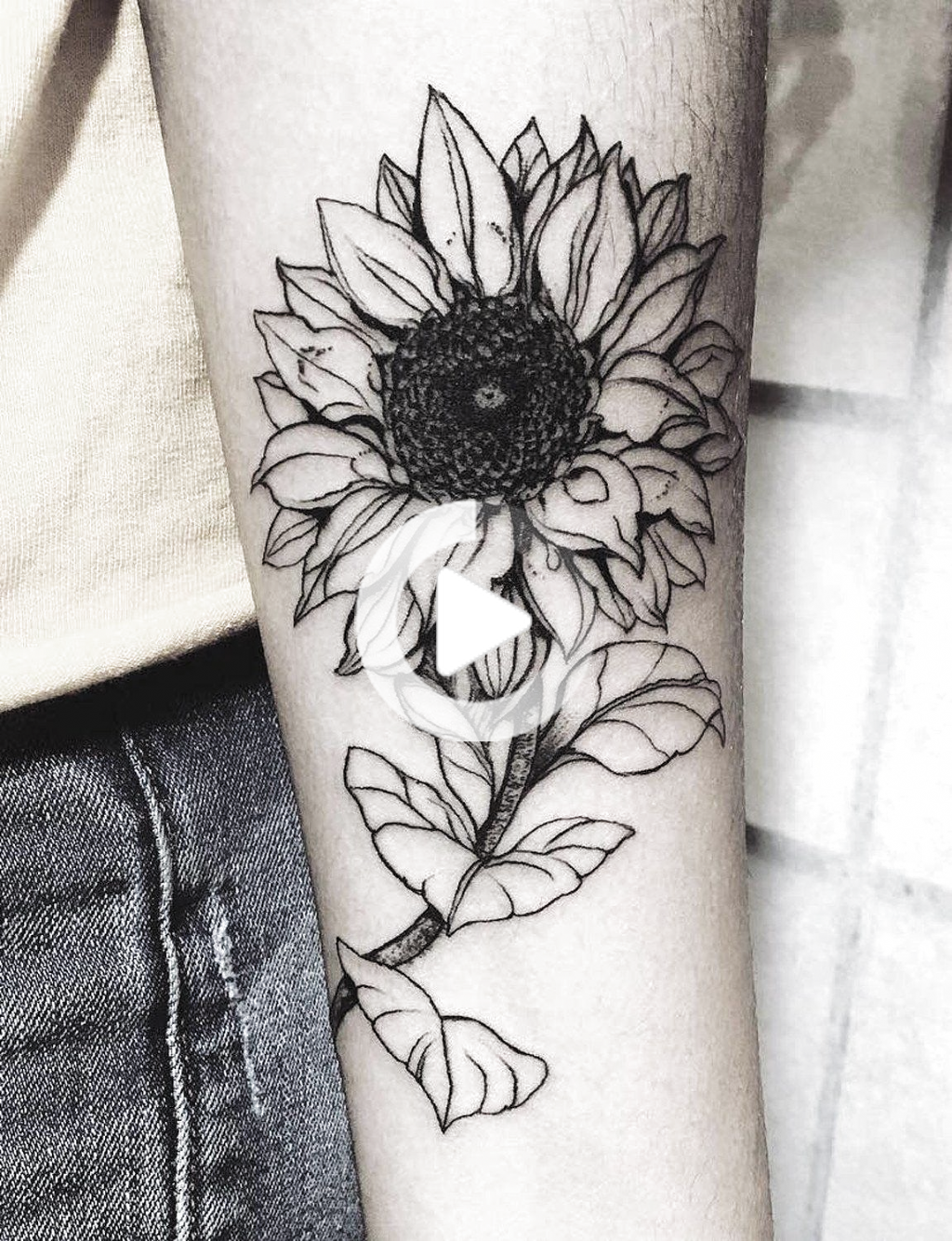 Full Black and White Realistic Vintage Floral Sunflower