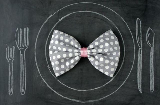 Ideen Zum Servietten Falten Stoff Schleife Mit Tupfer Serviettenring Basteln