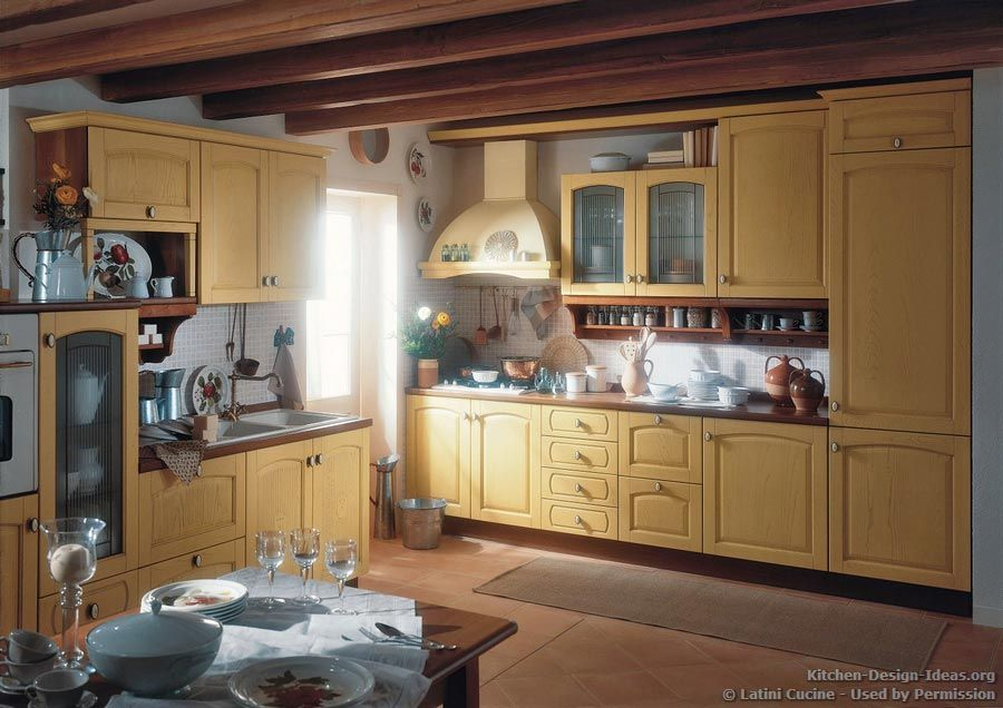 #Kitchen of the Day: Traditional Italian Kitchen by Latini ...
