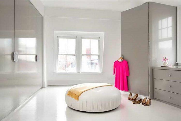 L\u0027armoire dressing dans la chambre à coucher moderne