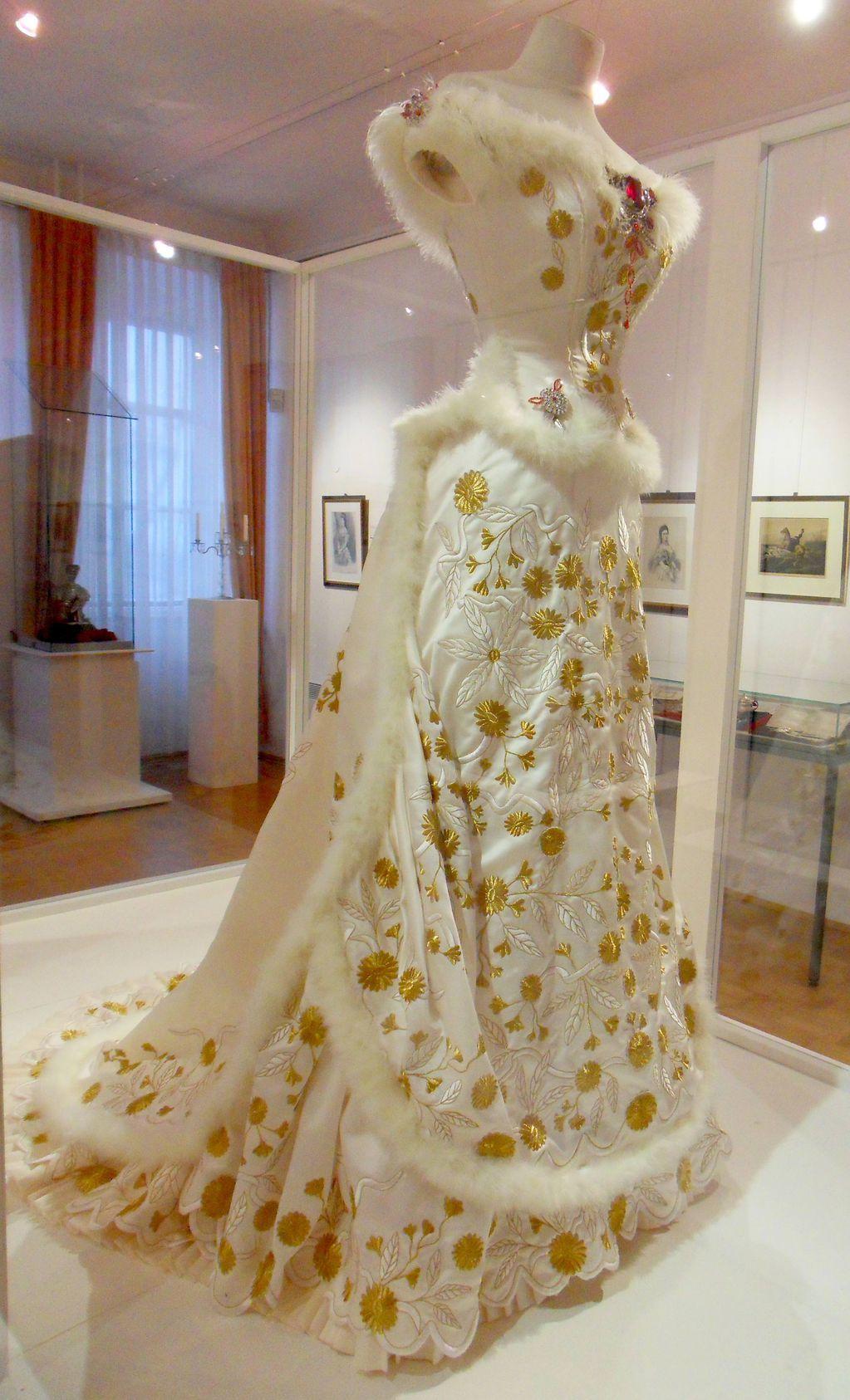 A replica of Empress Sisi\'s Diamond Wedding Anniversary gown ...