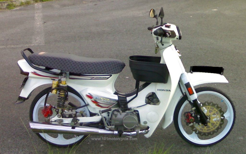 Honda Dream 100 Modified