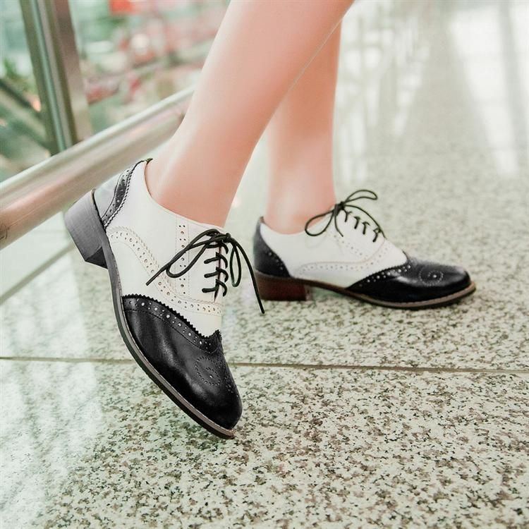 Womens White Chunky Heeled Oxford Shoe