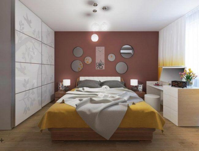 kleine schlafzimmer modern-wandfarbe-marsala-holz-moebel - schlafzimmer modern holz