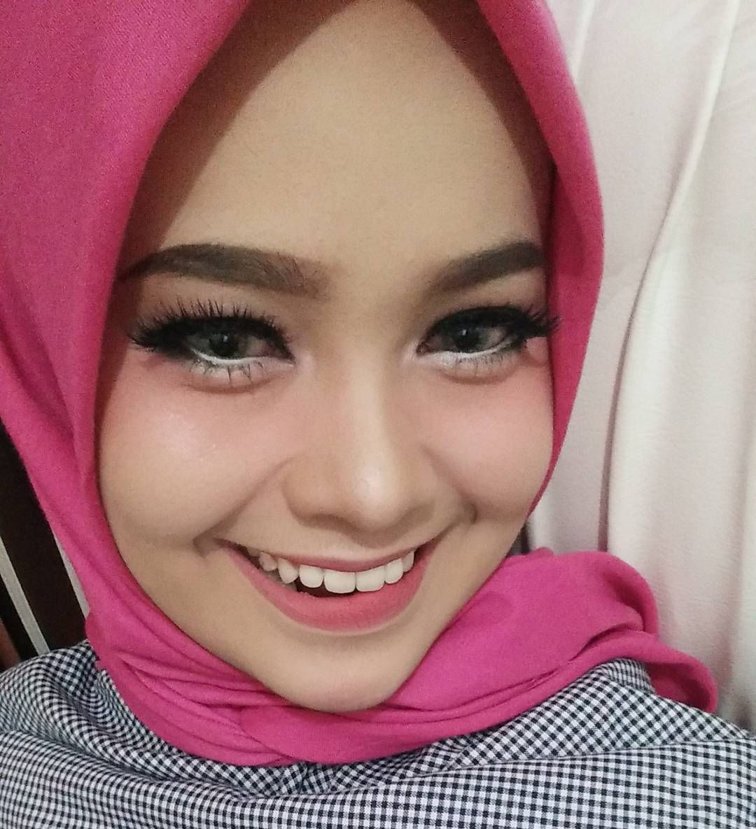 Makeup simple untuk dating