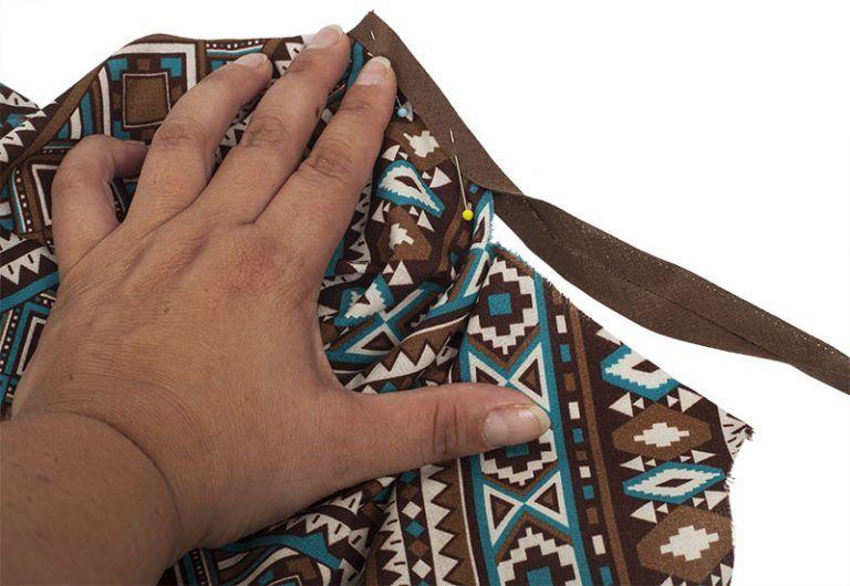 Indianer Kostüm Poncho Nähen Schrägband Feststecken Gitti