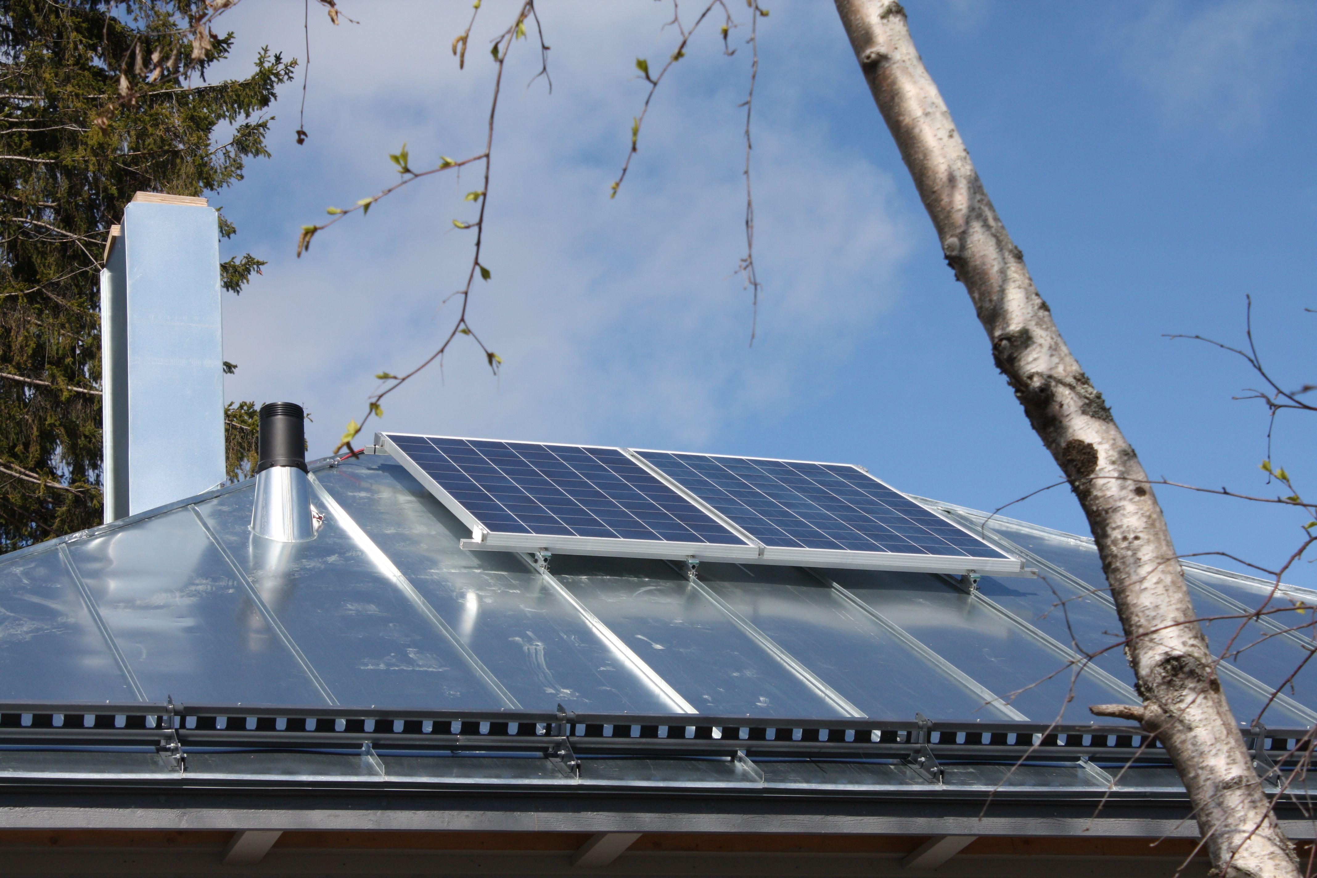 Aurinkopaneeli voi olla myös esteettisesti istuva. #solar #aurinkopaneeli #aurinkoenergia #ekologinenenergia Ratkaisuista lisää: www.cioy.fi