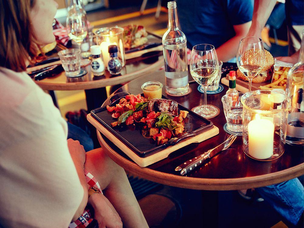 Heimat Küche+Bar im 25hours Hotel Hamburg Hafencity   Heimat Küche+ ...