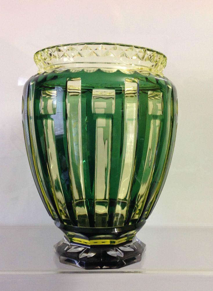 Val Saint Lambert Vase Art Déco Urane - pièce créée pour L'Exposition de Liège de 1930.
