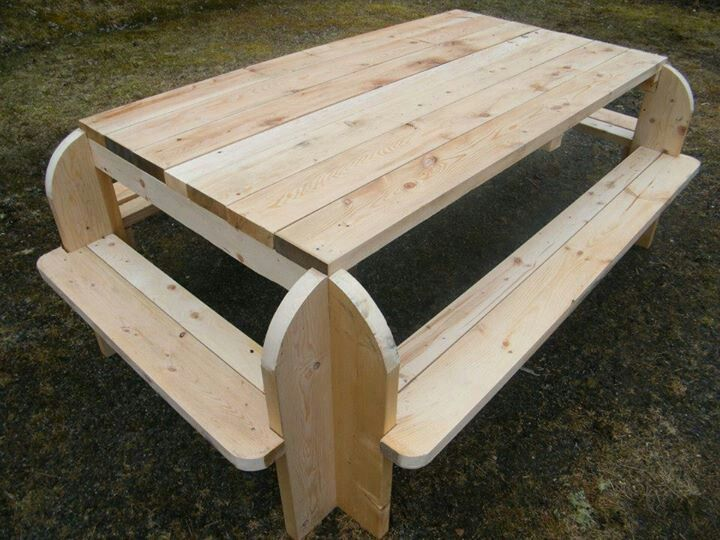 Picnic Table The Seating On The Sides Would Be Nice Diy Autour Du Bois Plan De Travail Bois Projets Bois