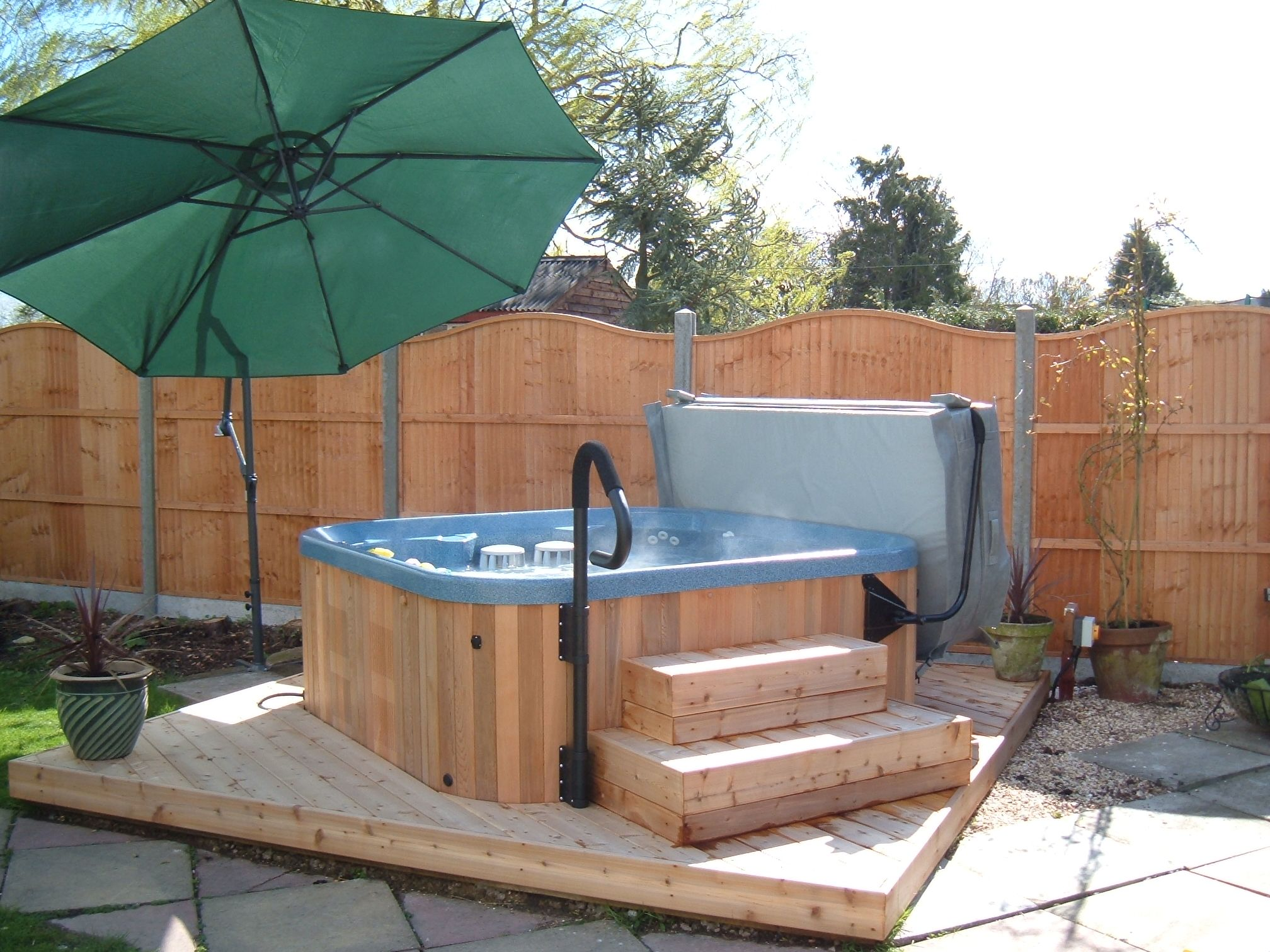 Marquis Everyday Hot Tub Cedar Cabinet Www Deependpools Co Uk Hot Tub Swimming Pools Swimming Pool Spa