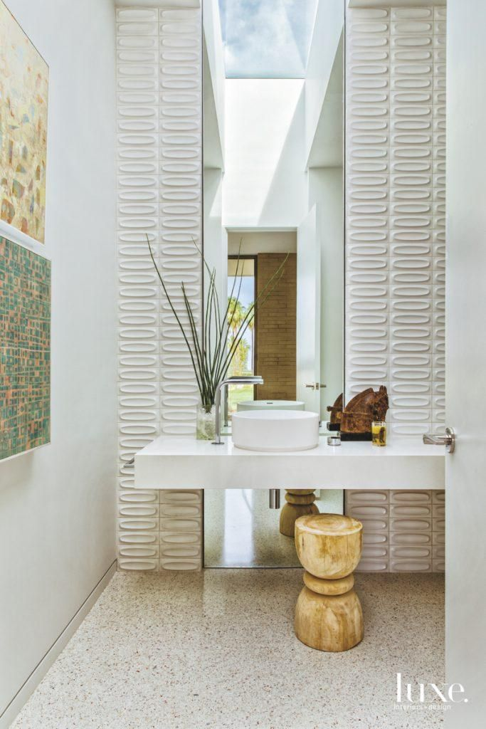 Inside A 1960s Desert Modern Home Doesn't Take Itself Too Seriously #modernpowderrooms