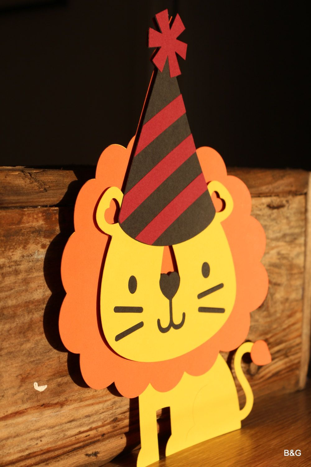 Critter partylion 1 piece Lion with birthday hat cutout