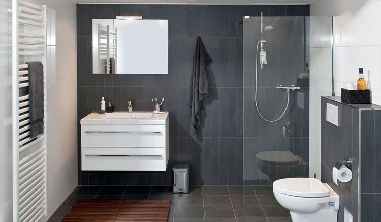 Badkamer ideeën, badkamermeubel, inloopdouche, toilet | Badkamer ...