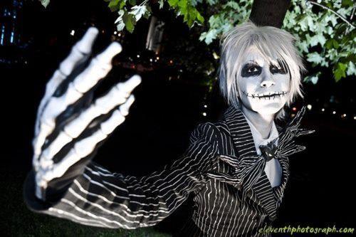 Pin de Bia Feldens em Cosplays | Esqueleto, O estranho ...