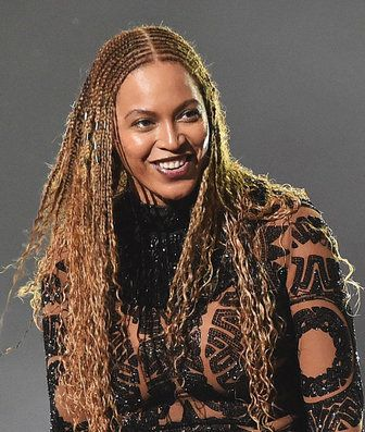 We Re Obsessed With Beyonce S Freedom Braids Hair Styles Beyonce Braids Classic Hairstyles